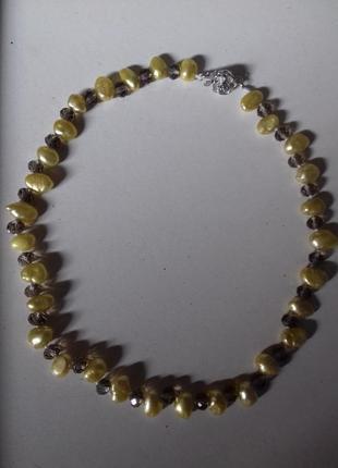 Новые шикарные бусы-ожерелье. натуральный желтый жемчуг и чешский хрусталь.