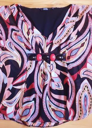 Блуза в яркий принт