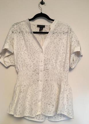 Рубашка с перфорацией,воротник стойка,резинка на талии