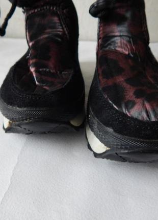 Женские теплые сапожки сноубутсы черные с бордовым