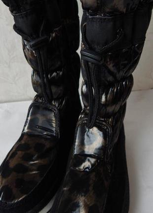 Женские теплые сапожки сноубутсы черные с коричневым