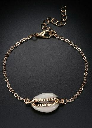 Нежный браслет с ракушкой в богемном стиле