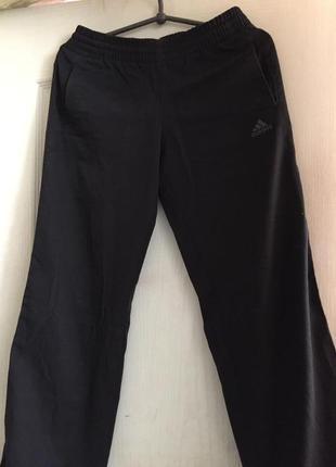 Классные спортивные штаны adidas