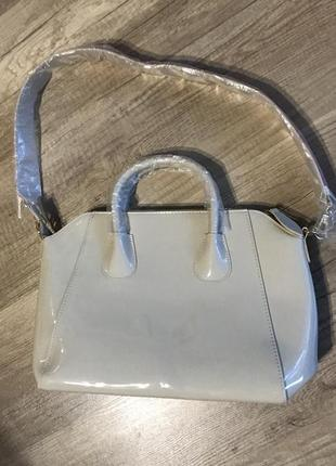 Лакова сумка з двостороннім ремінцем