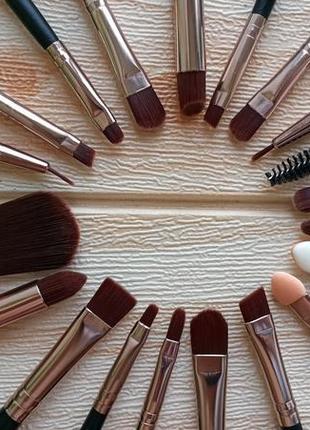 Фирменный набор кистей для макияжа 20 штук с чехлом2 фото