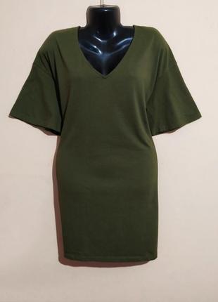Трикотажное платье-футболка.
