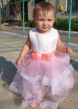 Нарядное платье на 1-1.5 года