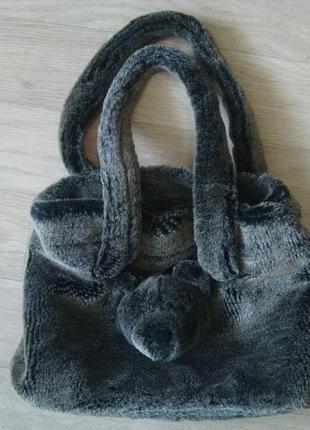 Трендовая  сумка из искусственного меха.