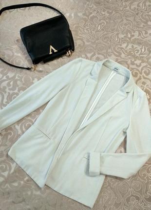 Базовый классический удлиненный белый пиджак от известного бренда