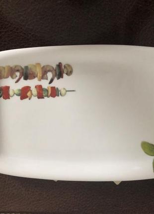 Тарелочки разные для подачи блюд