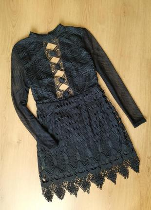 Чёрное кружевное платье от boohoo