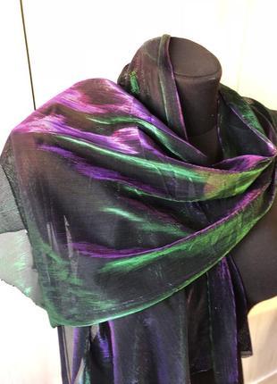 Красивый переливающийся разными цветами шарфик, цветная голографическая косынка