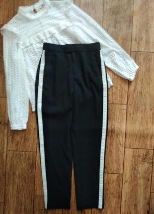 Черные брюки с лампасами от h&m