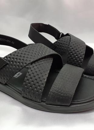 Стильные чёрные сандалии на липучках rondo
