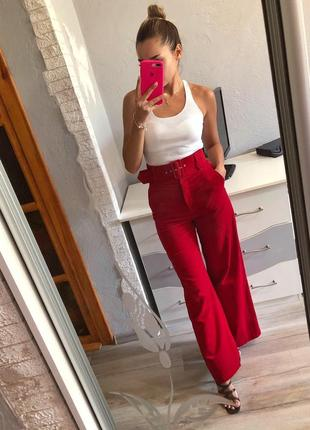 Стильные красные высокие брюки клёш topshop