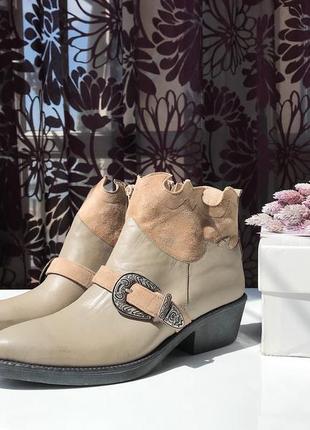Актуальные кожаные сапоги - казаки, натуральная кожа, италия