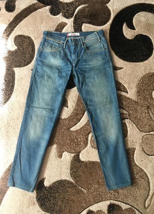 Сині джинси левіс