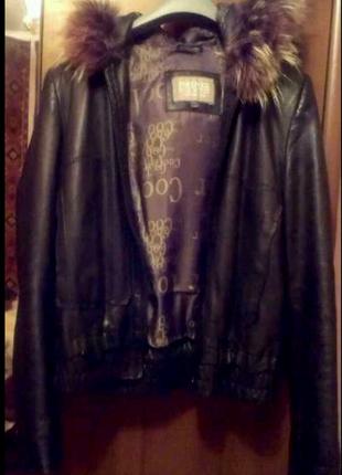Продам стильную кожаную куртку осень -зима