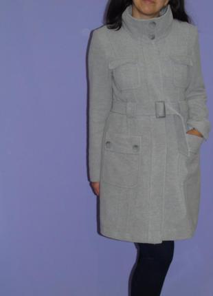 Красивое светло=серое пальто/10% кашемир