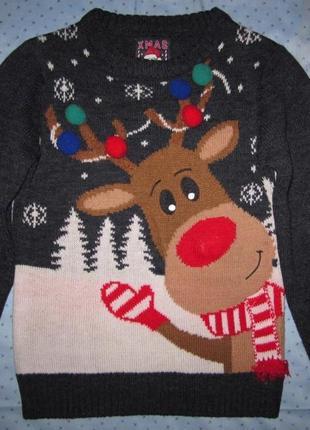 Новогодний свитер с оленем, нос светится (музыкальный) на 5-7 лет