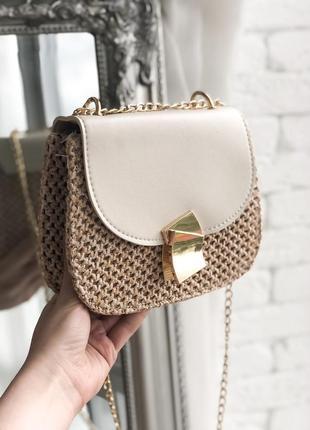 Стильная соломенная сумка