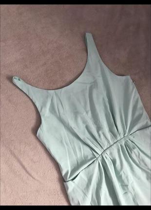 Лёгкое ментоловое платье с открытой спиной