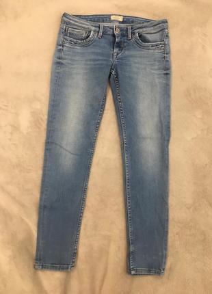 Стрейчевые укорочённые джинсы скини pepe jeans