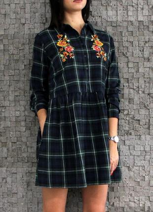Красивое и стильное платье из натуральной ткани с вышивкой4 фото