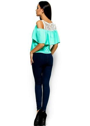 Блуза с воланом karree