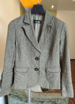 Качественный пиджак жакет размер м - l