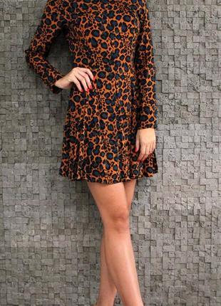 Стильное трендовое платье из натуральной ткани