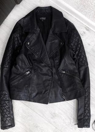 Чёрная куртка кожанка косуха