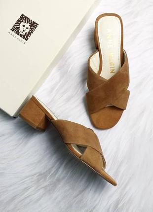 Anne klein оригинал замшевые коричневые босоножки сабо