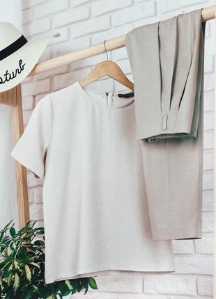 Блуза с коротким рукавом ровная свободная бежевая на молнии однотонная