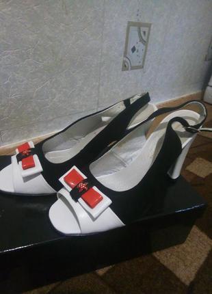 Очень красивые и удобные туфли