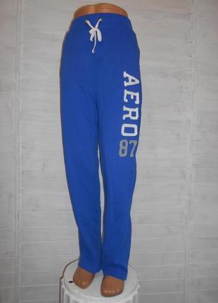 Теплые спортивные или прогулочные штаны