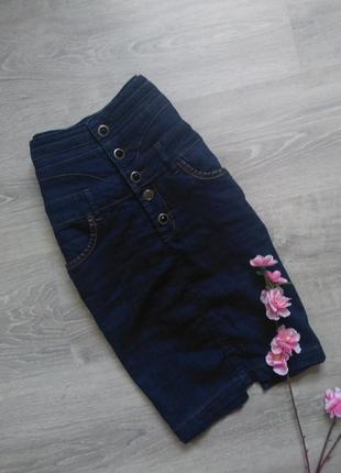 Джинсовая юбка с высокой посадкой , с завышенной талией