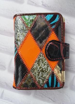 Женский кошелек из лаковой кожи. кожаный жіночий шкіряний гаманець