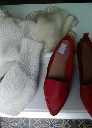Крутые красные туфли
