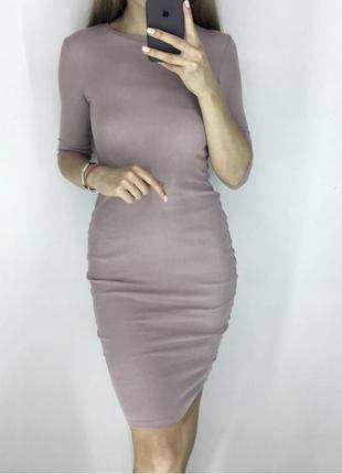 Шикарное платье в рубчик актуального цвета