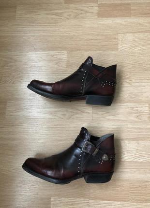 Кожаные итальянские туфли-казаки размер 42