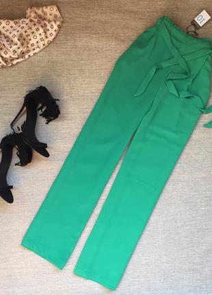 Стильные брюки колоты