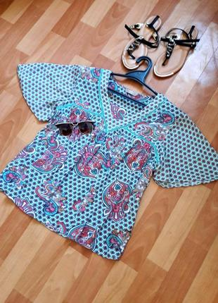 Класна натуральна блузочка в орнамент