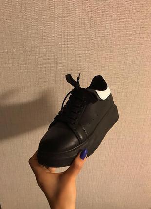 Кроссовки  mqueen