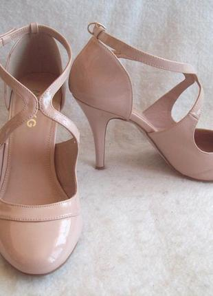 Туфли беж лаковые miss kg