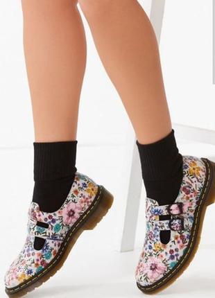 🔥срочно 🔥. мега крутые брендовые туфли кружево dr. martens 38
