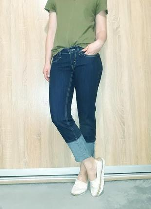 Крутые прямые ровные джинсы темно-синего цвета с белой ниткой  levis 5247 фото