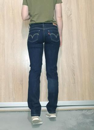 Крутые прямые ровные джинсы темно-синего цвета с белой ниткой  levis 5249 фото