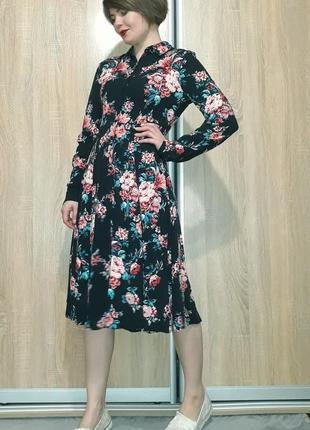 Красивейшее платье миди на пуговичках в цветочный принт из вискозы promod7 фото