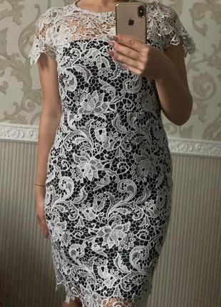 Шикарное платье кружевное серое серебристое